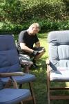Min kæreste Helge sætter telt op med min eksmand Søren.
